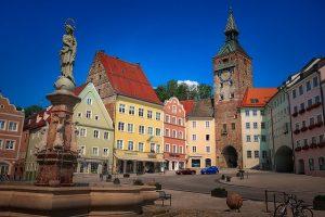 Hauptplatz mit Marienbrunnen